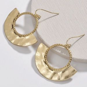 [ALLSTON] Metal Half Circle Earrings in Gold